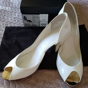 Chanel White Patent Leather Shoe 9.5US